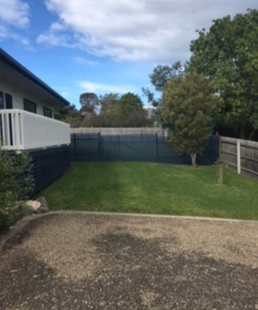 8 Abalone Avenue, Lakes Entrance VIC 3909, Image 2