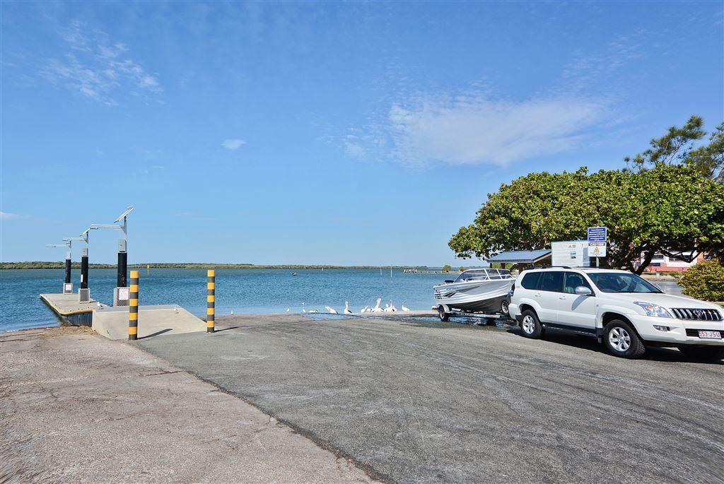 2/9 Hankinson Street, Golden Beach QLD 4551, Image 2