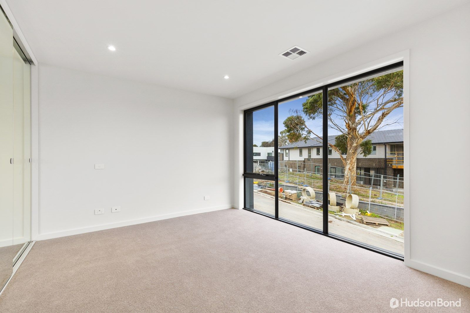 3 Gully Way, Doncaster VIC 3108, Image 2