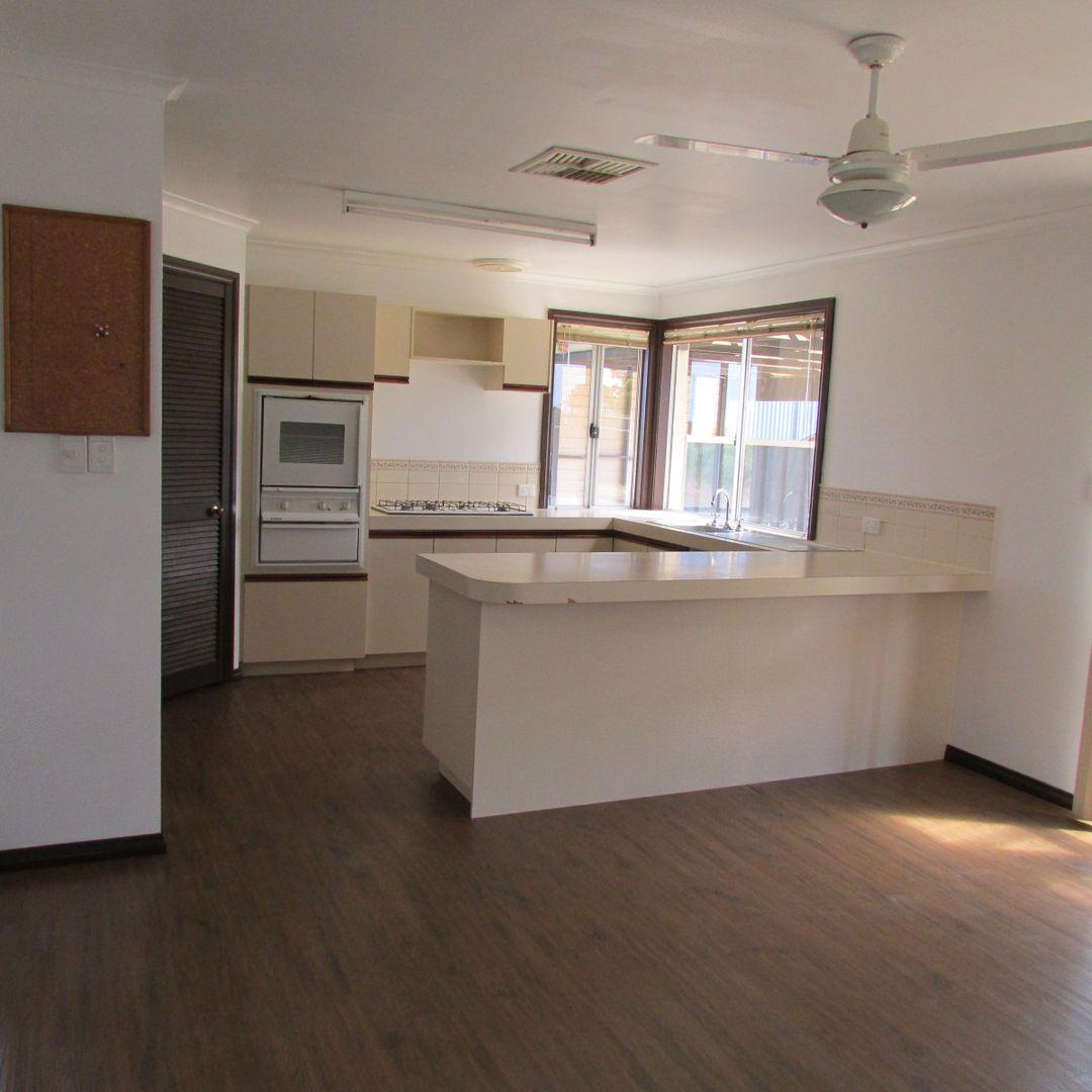 255 Cambewarra Drive, Hopetoun WA 6348, Image 2