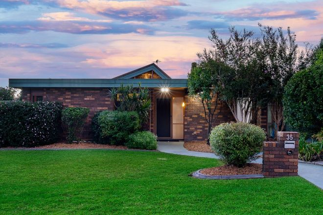 Picture of 35 Chiltern Crescent, CASTLE HILL NSW 2154