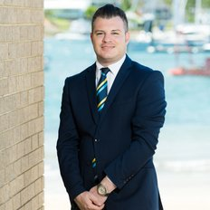 Dan Gordon, Sales Associate