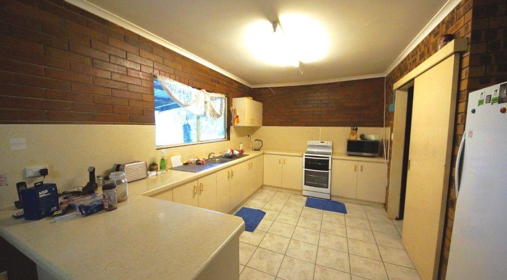 14 Vezzolis Road, Devereux Creek QLD 4753, Image 2