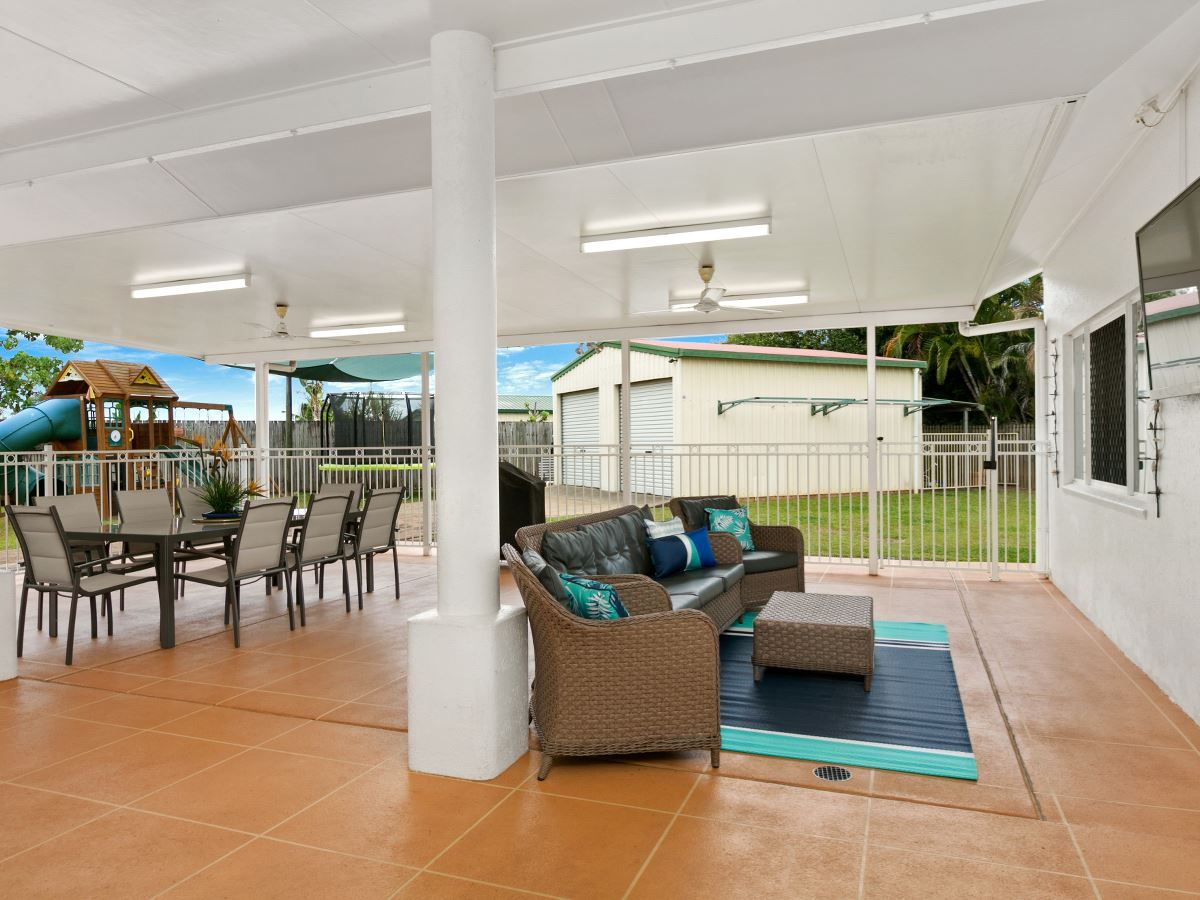 209 Robert Road, Bentley Park QLD 4869, Image 1
