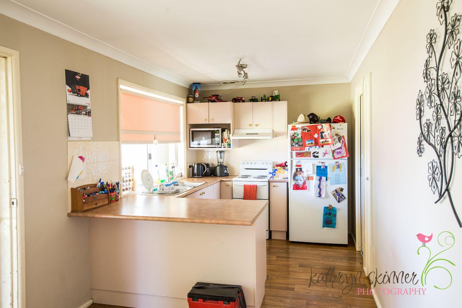 4 Iris Street, Gilgandra NSW 2827, Image 1