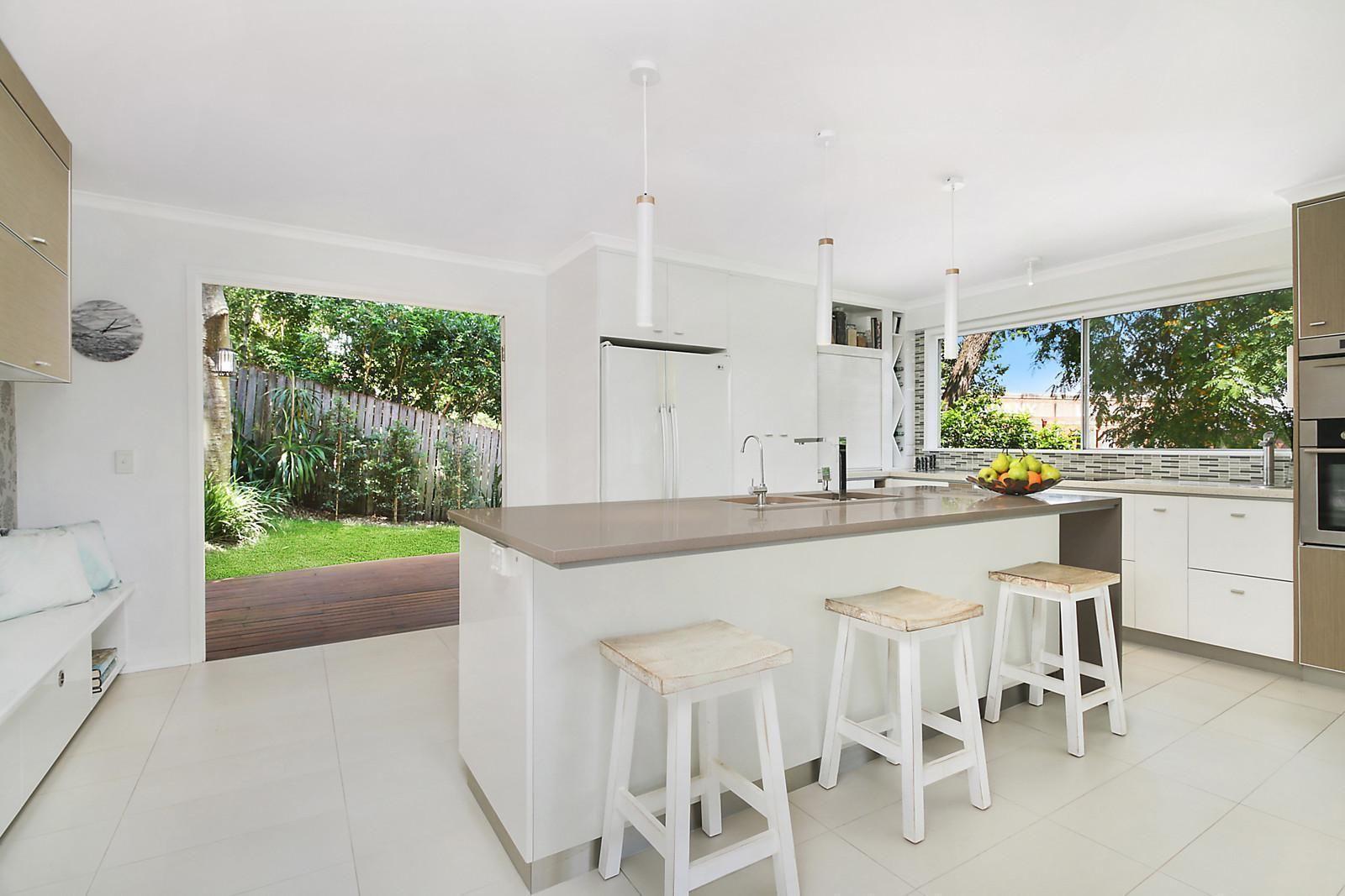 14 Mackellar Street, Teneriffe QLD 4005, Image 2