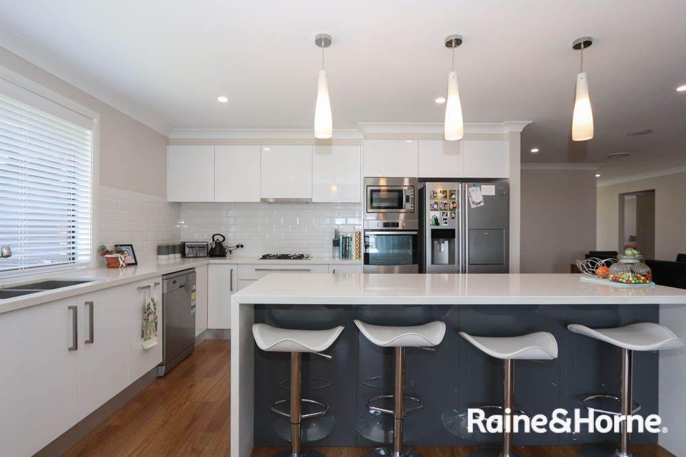 4 Keane Drive, Kelso NSW 2795, Image 1