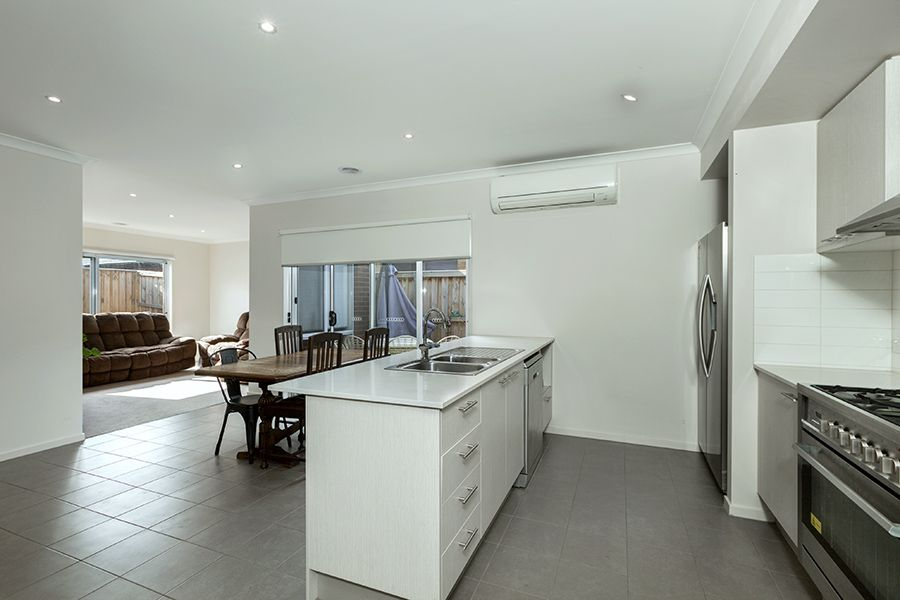 32 Pottery Avenue, Point Cook VIC 3030, Image 1