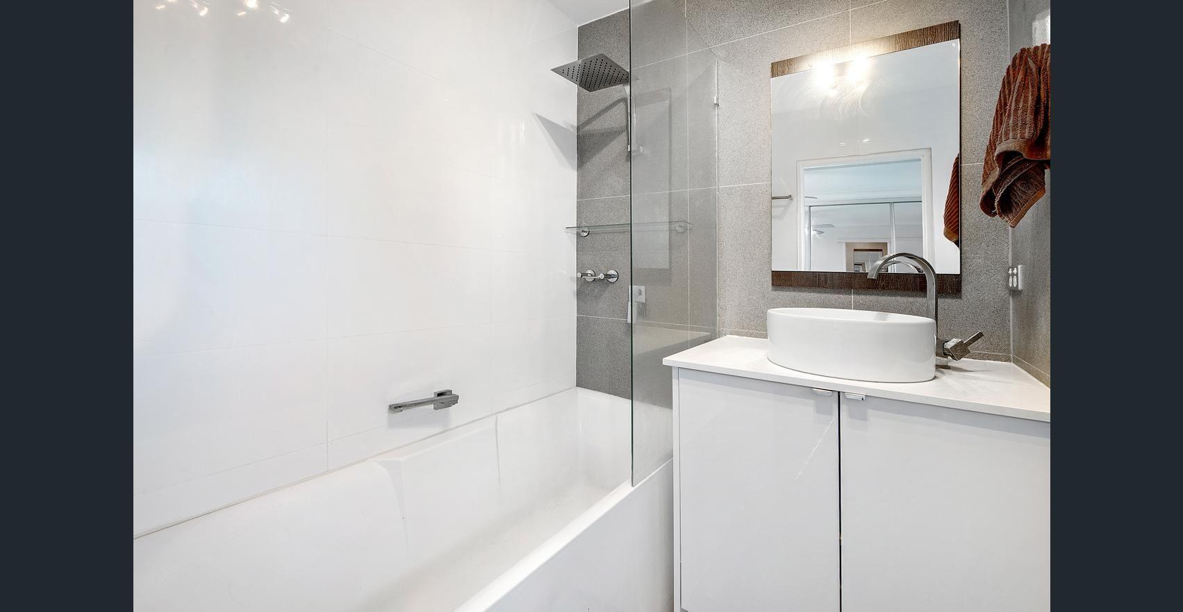10/42 Britannia Avenue, Broadbeach QLD 4218, Image 0