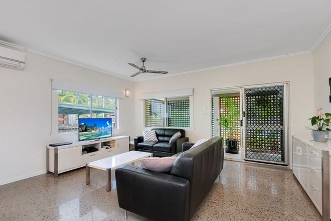Picture of 2/106 Wistaria Street, HOLLOWAYS BEACH QLD 4878