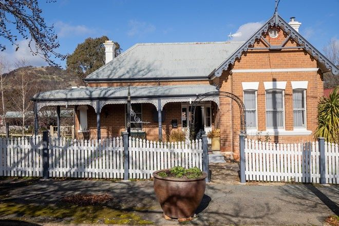 Picture of 6 Leake St, BOWNING NSW 2582