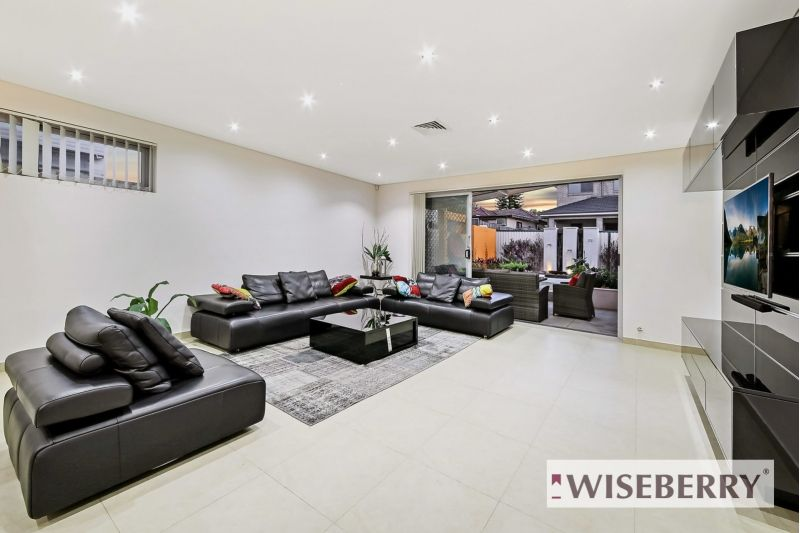 120 Juno Parade, Greenacre NSW 2190, Image 1