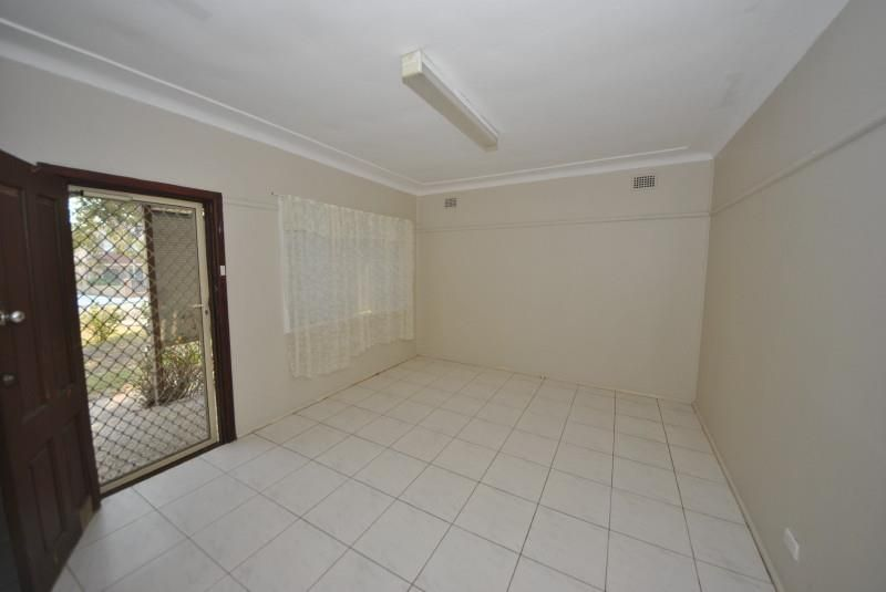 15 Robertson Road, Chester Hill NSW 2162, Image 2