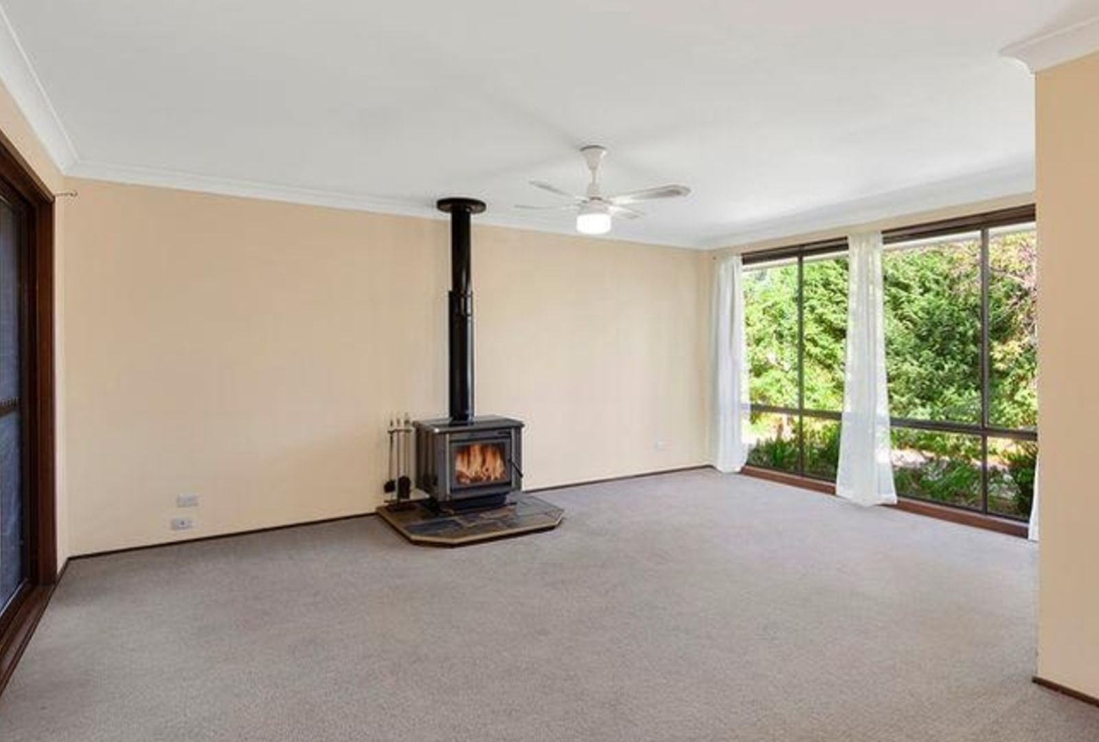 19 Cook Road, Wentworth Falls NSW 2782, Image 3