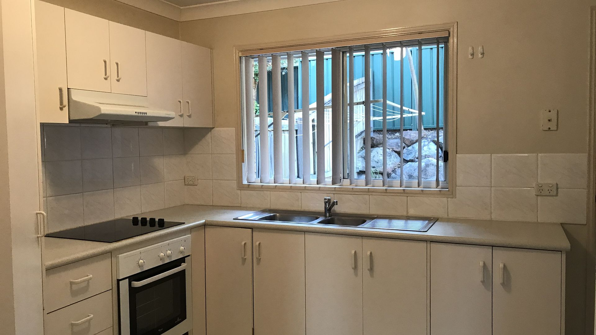 6/122 Johnson Road, Hillcrest QLD 4118, Image 2