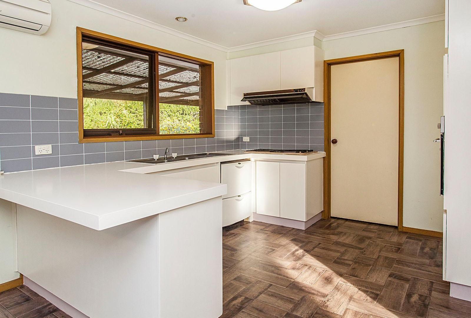 47 Rosemary Avenue, Croydon Hills VIC 3136, Image 2