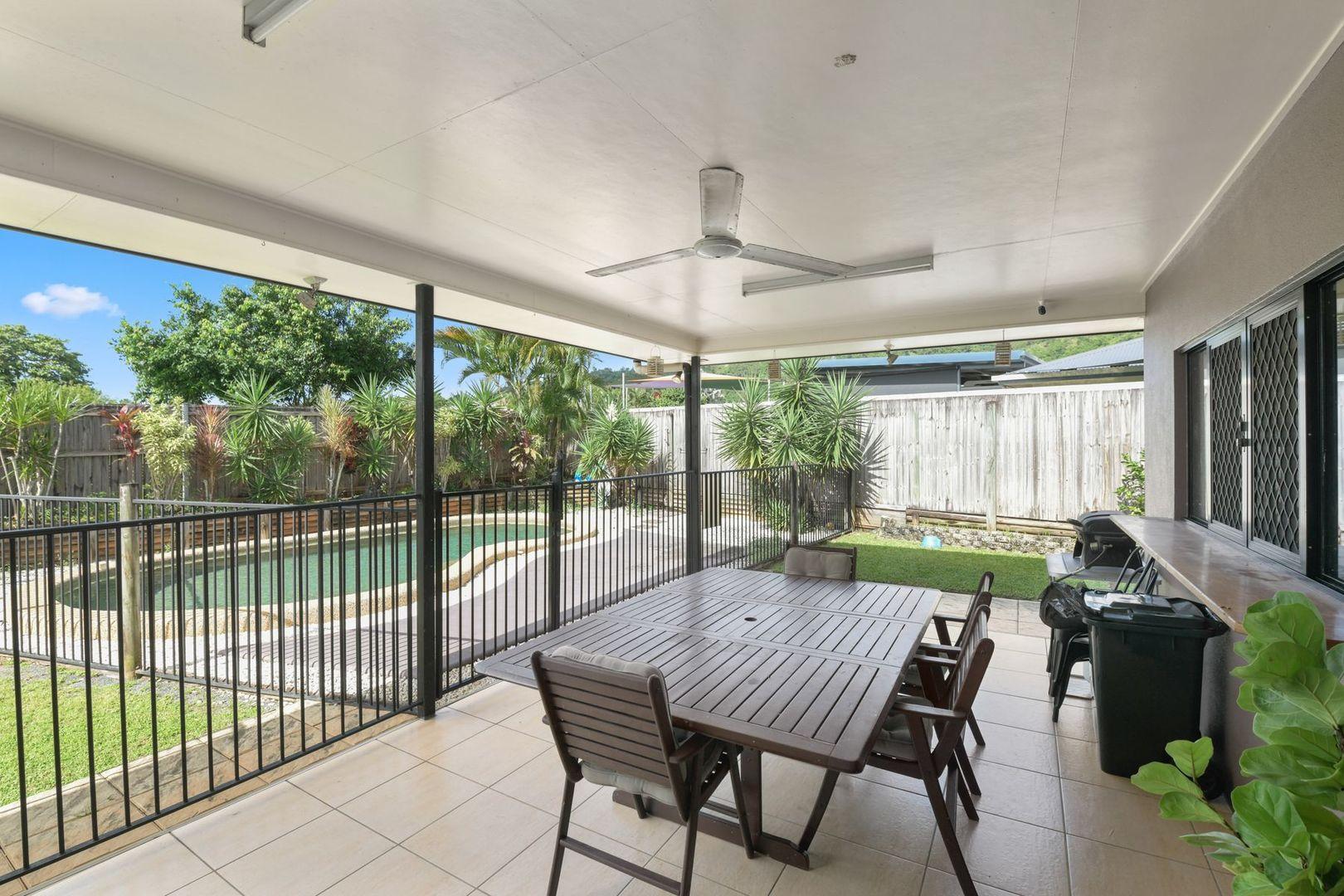 33 Bassett Street, Kanimbla QLD 4870, Image 2