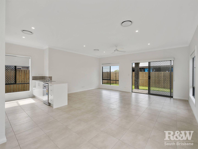14 Sunrise Street, Newport QLD 4020, Image 2