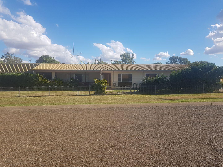 2 Hertzog St, Moura QLD 4718, Image 2
