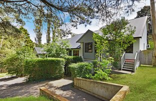 8 Quinns Avenue, Leura NSW 2780