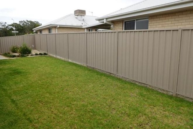 Picture of Room 3 - 78 Messenger Avenue, BOOROOMA NSW 2650