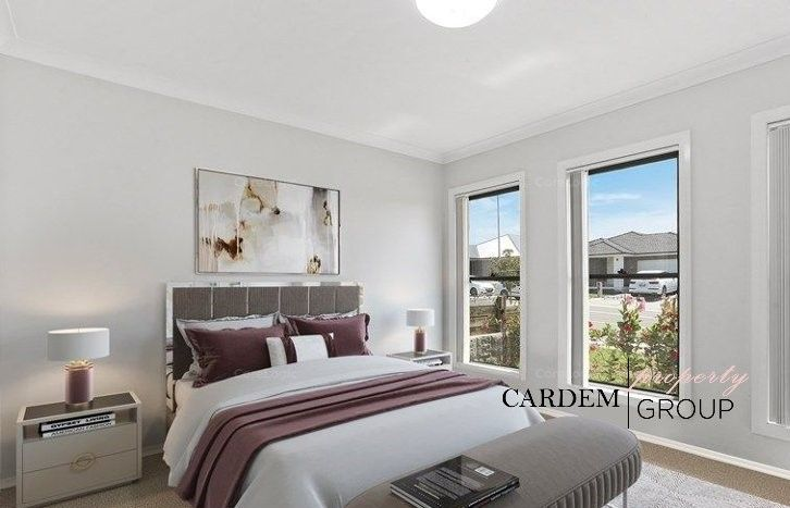 15 Golden Wattle Avenue, Gregory Hills NSW 2557, Image 2