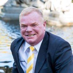 Joey Maloney, Sales representative