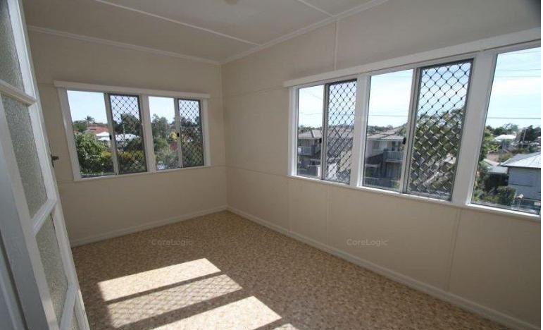 8 Waratah Avenue, Carina QLD 4152, Image 2