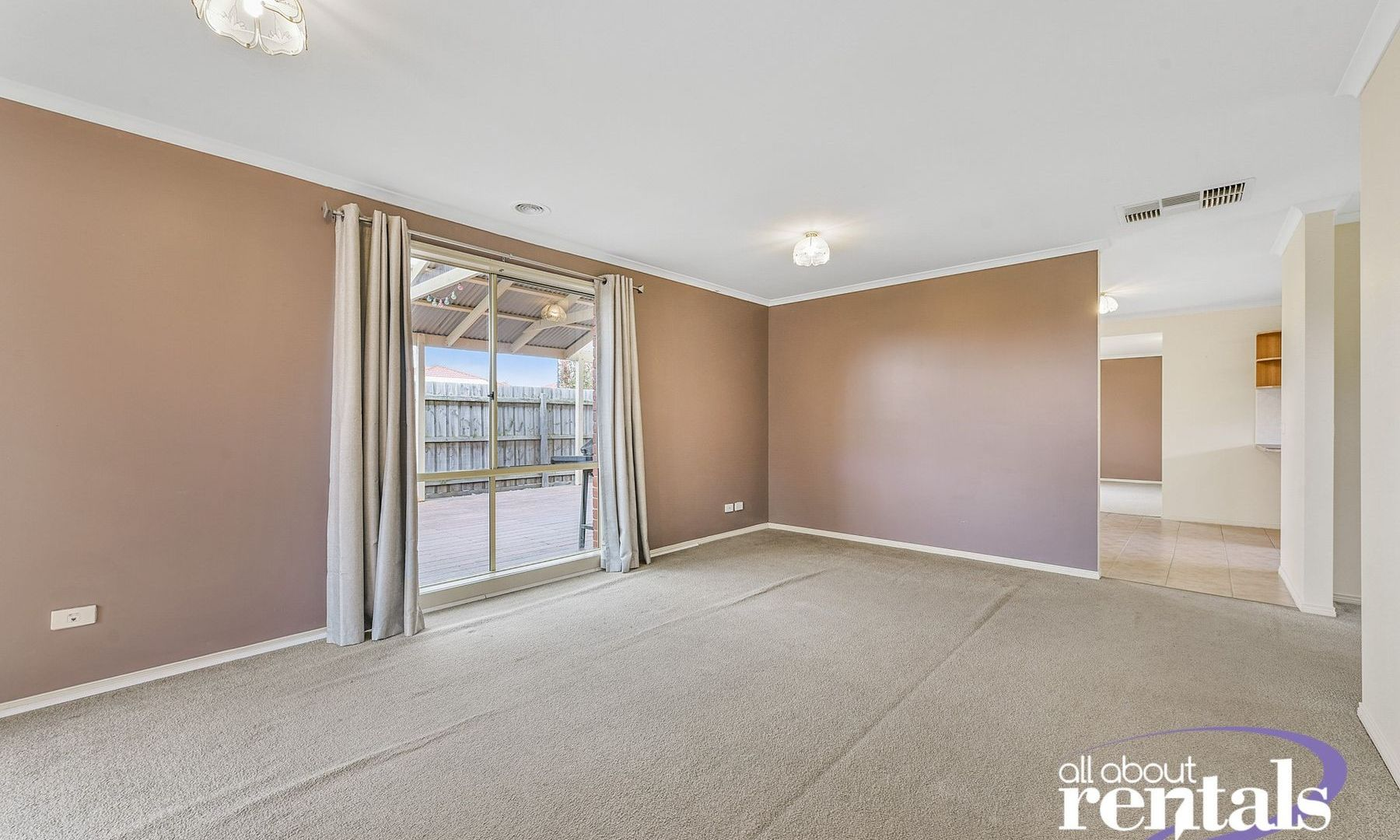 9 Miralie Way, Cranbourne West VIC 3977, Image 2