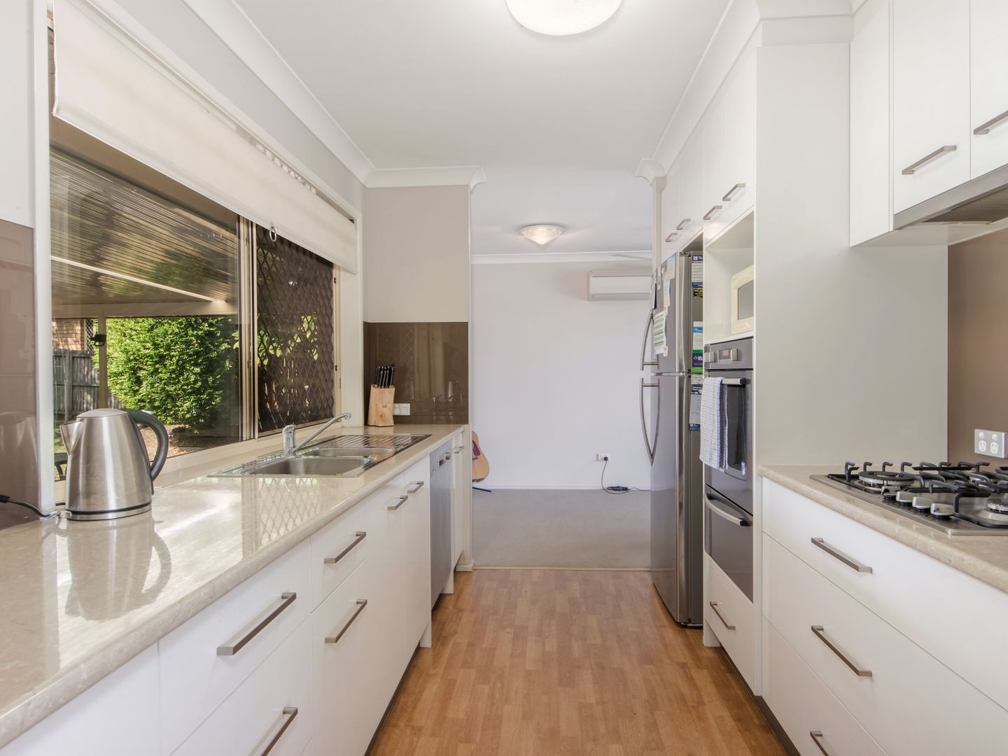 16 Peppercorn Place, Flinders View QLD 4305, Image 2