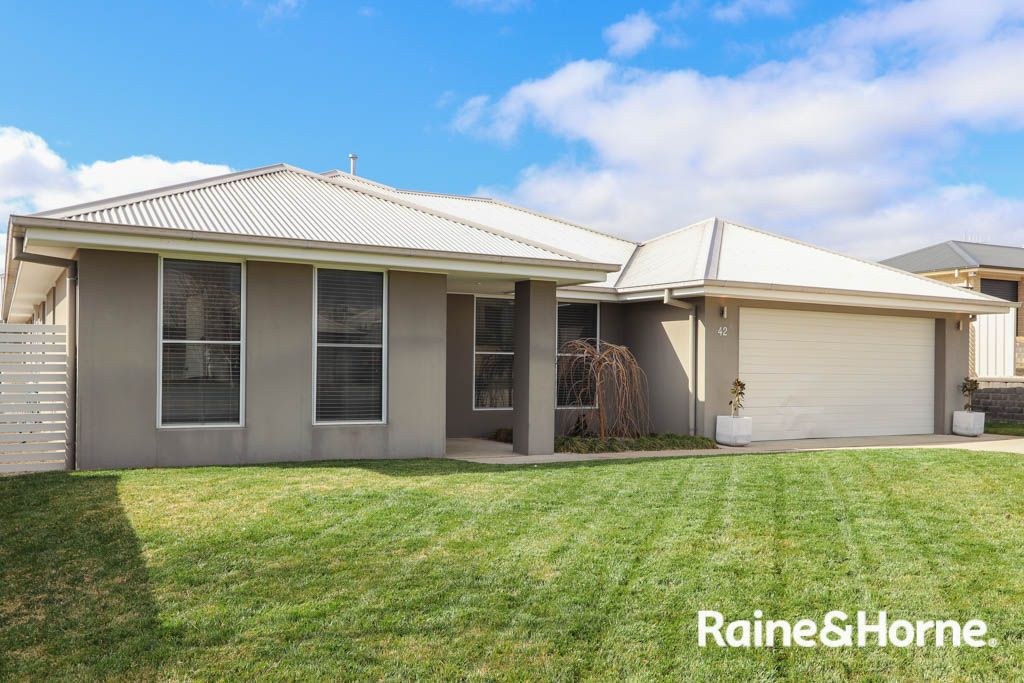 42 Cheviot Drive, Kelso NSW 2795, Image 0