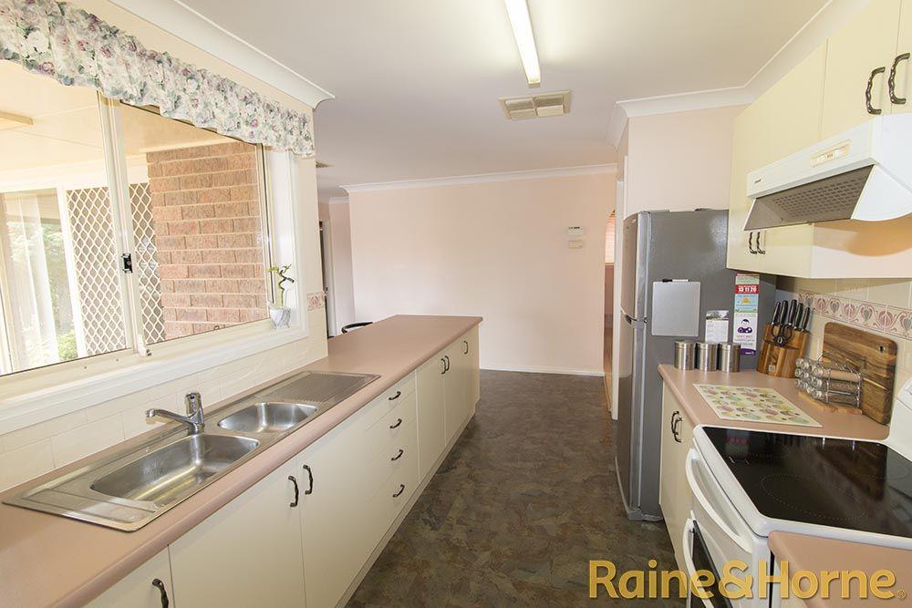 4 Kookaburra Close, Dubbo NSW 2830, Image 2