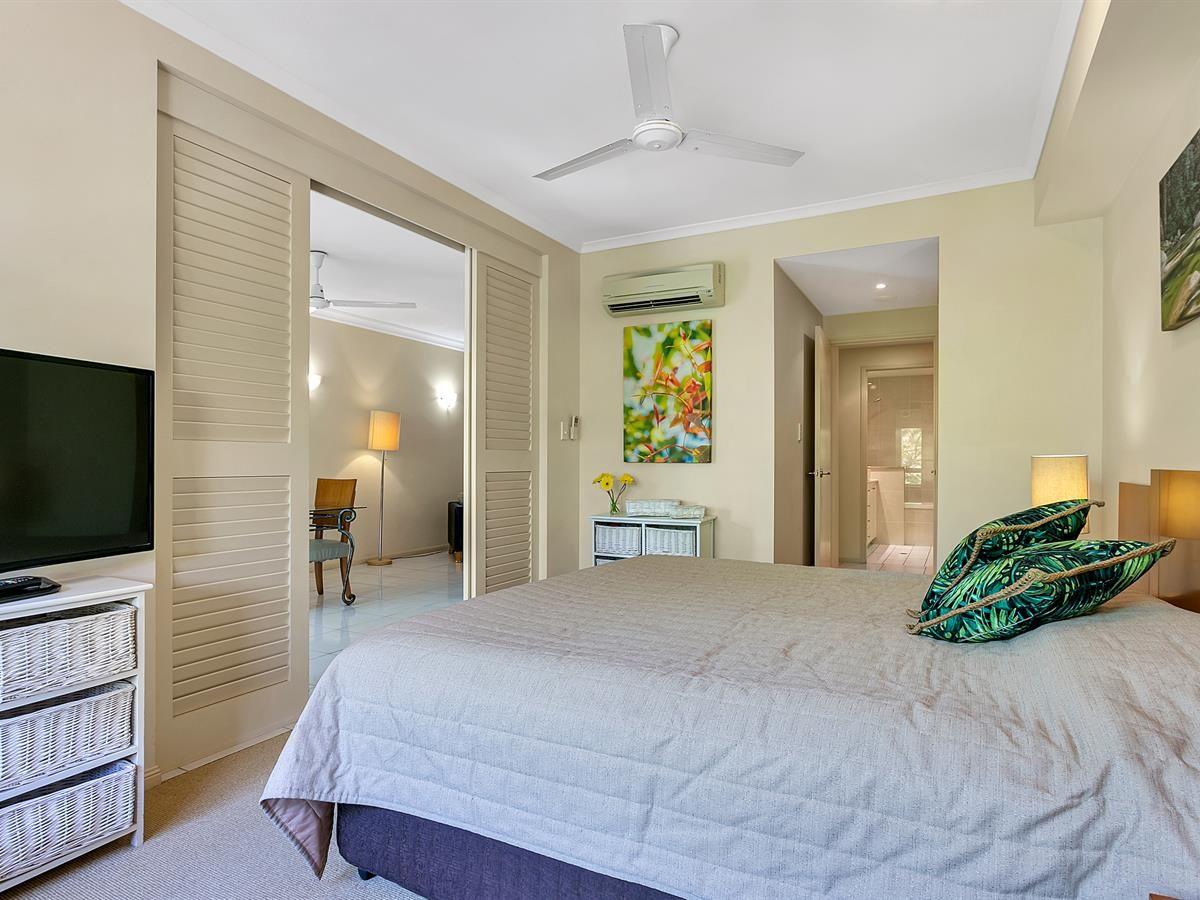 1743/2-10 Greenslopes Street, Cairns North QLD 4870, Image 2