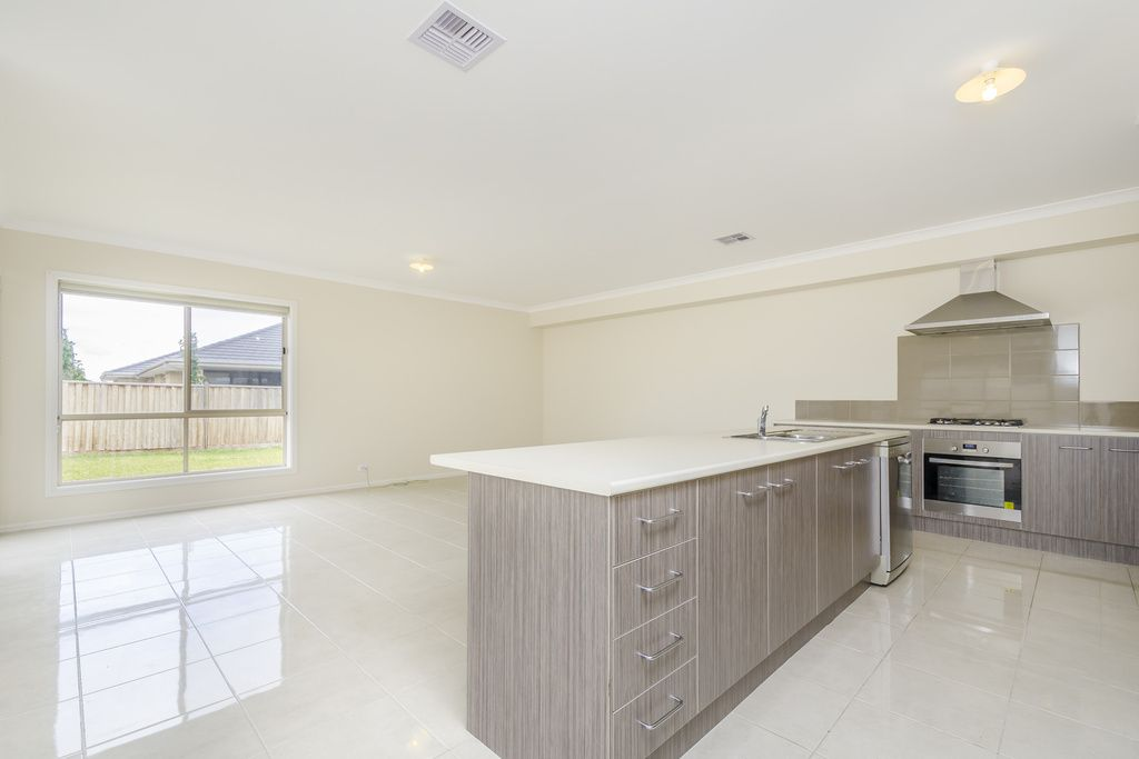 20 Brindabella Chase, Point Cook VIC 3030, Image 2