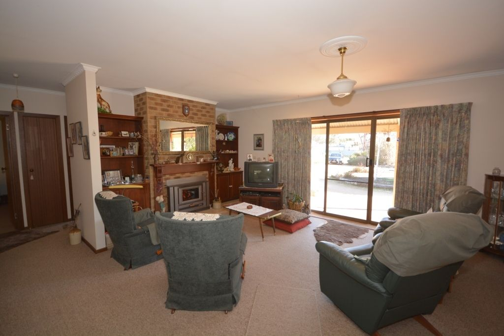 15-17 Paxton St, Great Western VIC 3374, Image 2