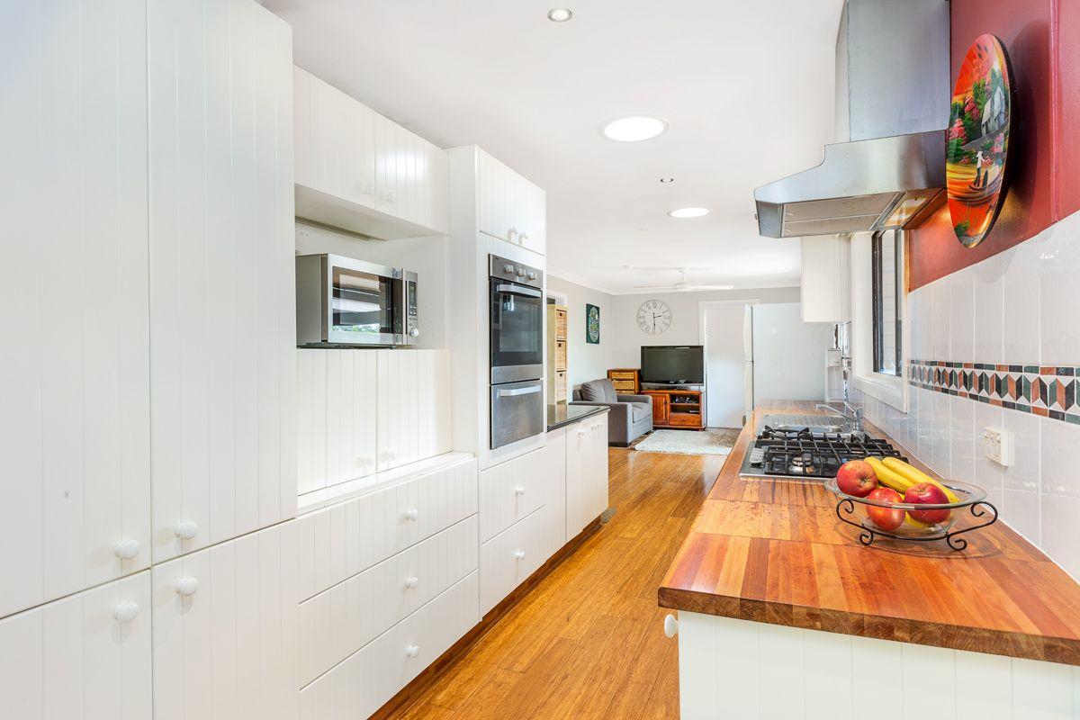 98 Curtin Avenue, Wahroonga NSW 2076, Image 2
