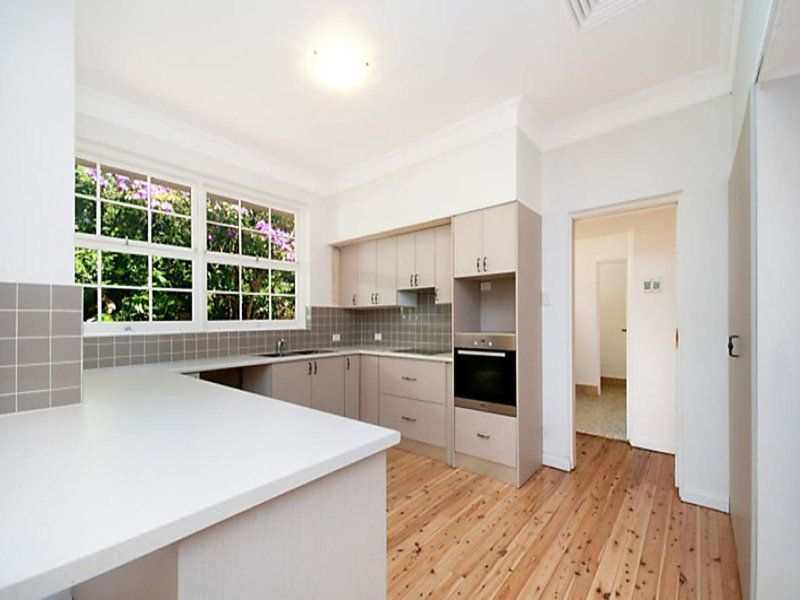 6 Luton Place, St Ives NSW 2075, Image 2