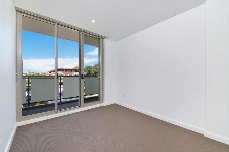 2212/1A Morton Street, Parramatta NSW 2150, Image 2