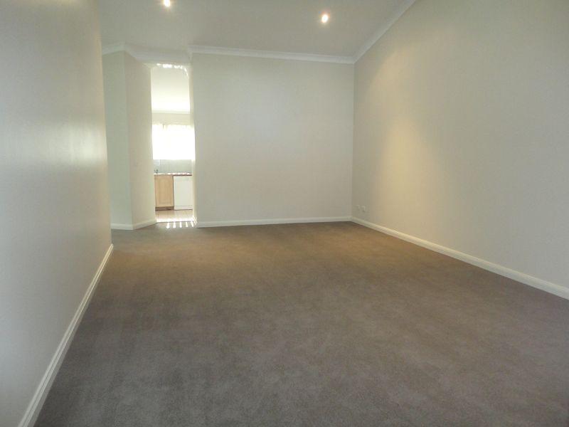 8/26 Marlow Avenue, Denistone NSW 2114, Image 2