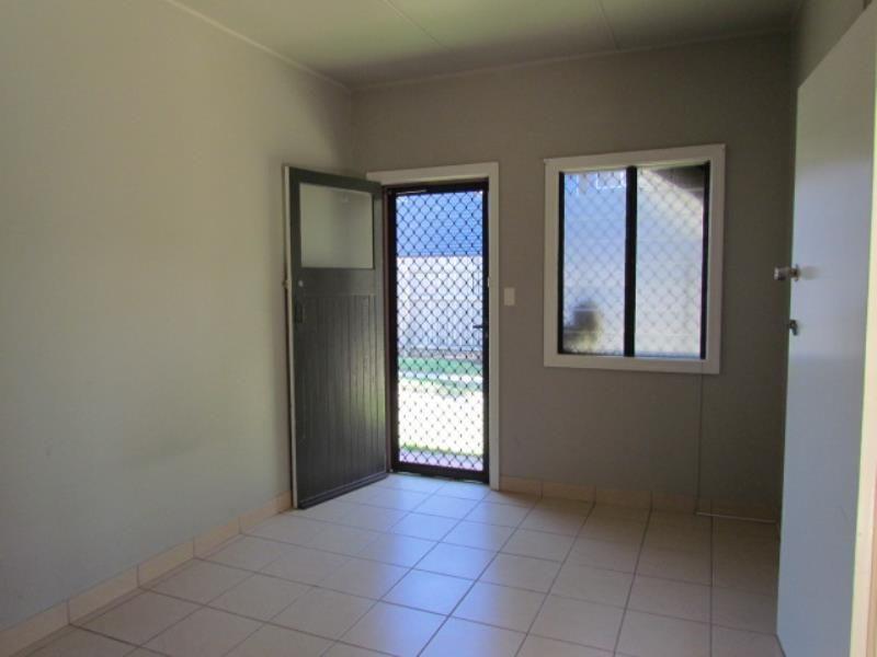 2/32 Marsh Street, East Mackay QLD 4740, Image 2