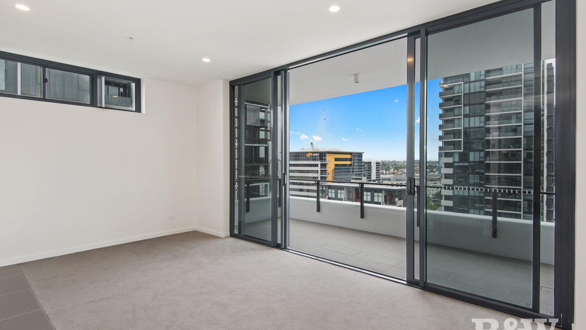 1106/22-28 Merivale Street, South Brisbane QLD 4101, Image 2
