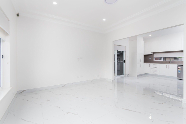 15 Windsor Road, Kellyville NSW 2155, Image 2