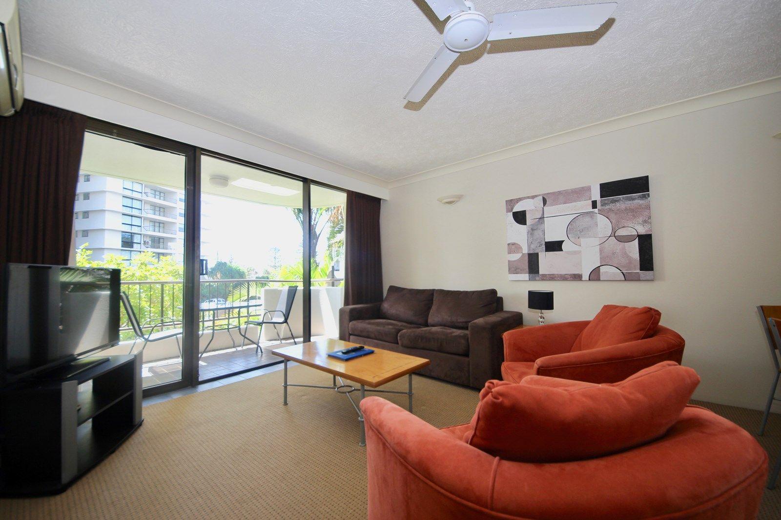 201/2 Albert Avenue, Broadbeach QLD 4218, Image 2
