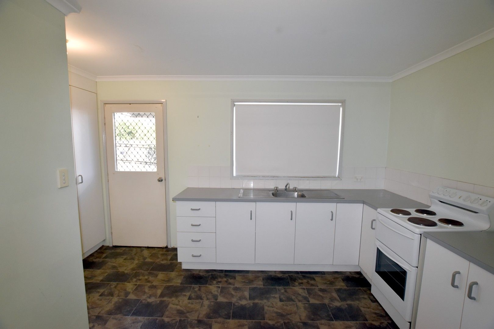 4/16 McCann Street, South Gladstone QLD 4680, Image 2