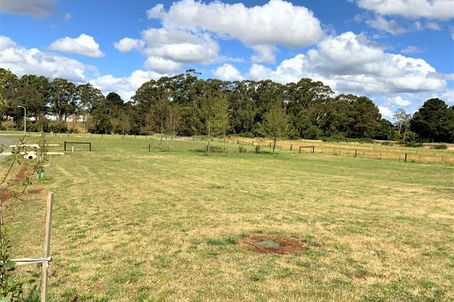 Picture of 10 McCashney Way, TRENTHAM VIC 3458
