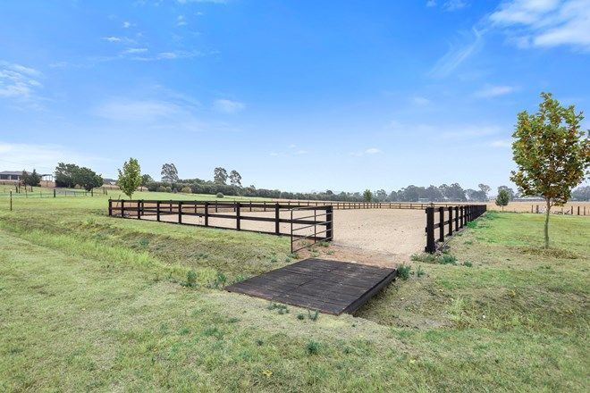 Picture of 540 Old Razorback Road, CAWDOR NSW 2570