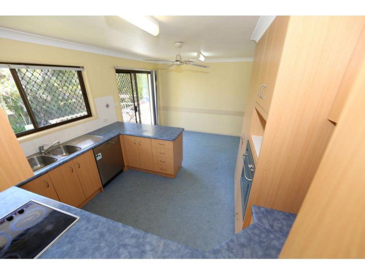 4 Hermitage Street, Eight Mile Plains QLD 4113, Image 2