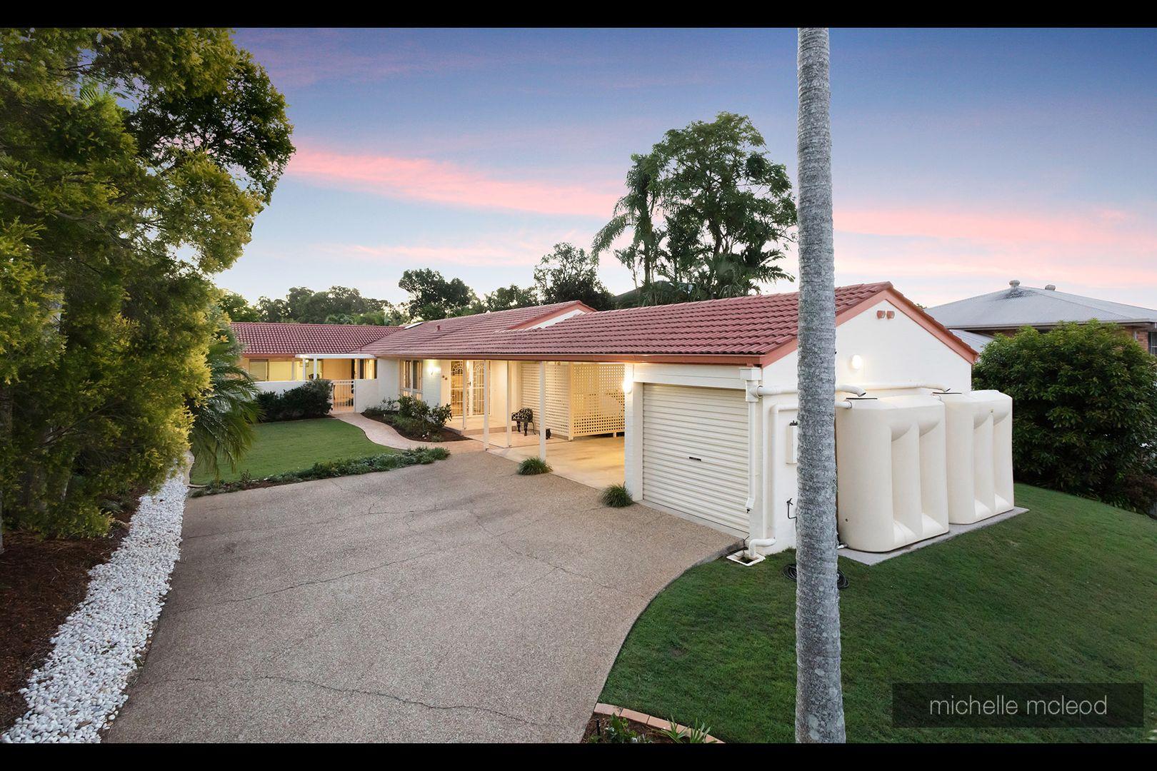 17 Dornie Place, Fig Tree Pocket QLD 4069, Image 0