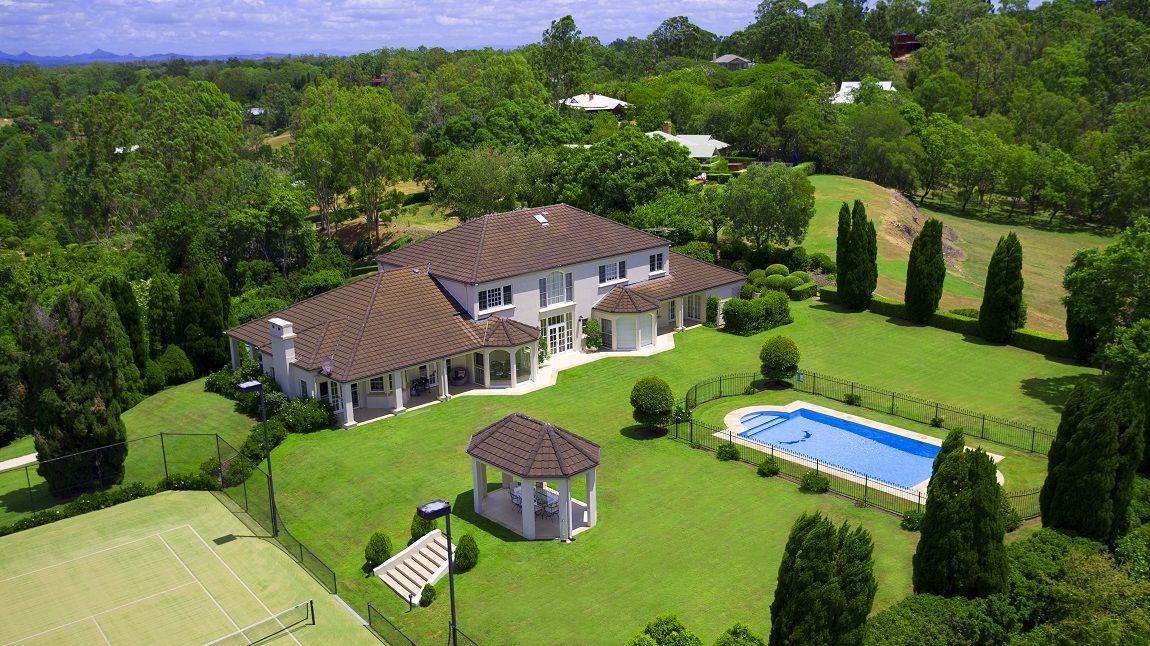 17 Leatherwood Place, Brookfield QLD 4069, Image 0