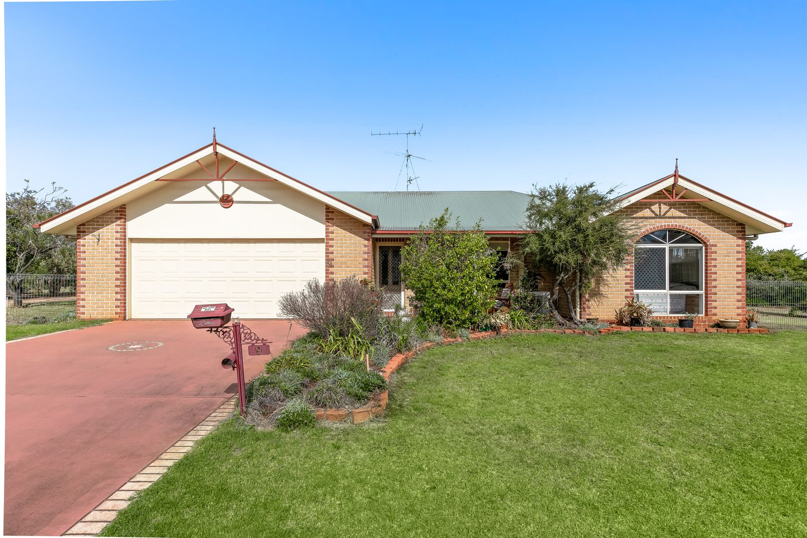 9 Lynne Court, Highfields QLD 4352, Image 0